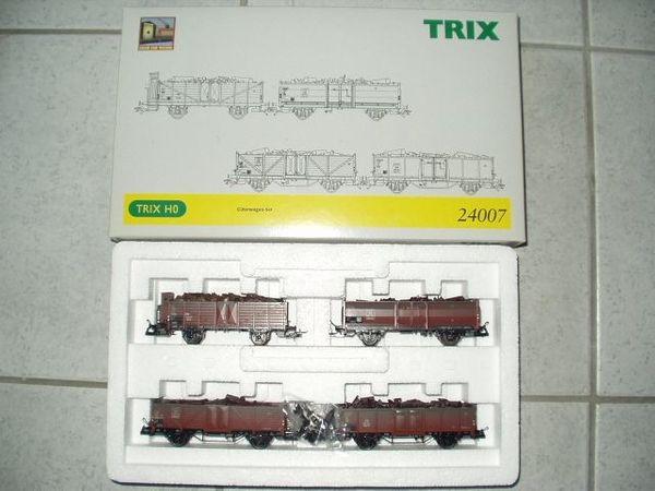 TRIX HO 2 neue Güterwagenset