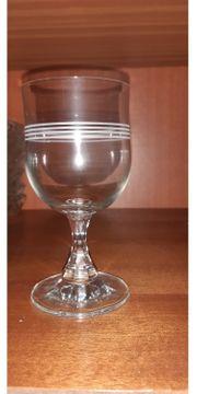 12 Gläser für Wein