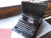Alte kleine Schreibmaschine