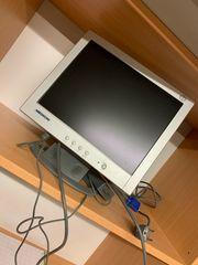 5 PC Bildschirme unterschiedliche Größen