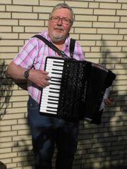 Terrassenkonzert Alleinunterhalter Akkordeonmusik live mit