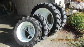 Traktoren, Landwirtschaftliche Fahrzeuge - Zwillingsreifen für Traktor