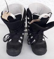 Snowboardschuhe Gr 40 Choc abzugeben