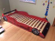 Kinderbett in Autoform
