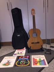 Gitarre Gitarrensack Gitarrenständer Bücher Fußbrett