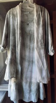 Kleid und Jacke