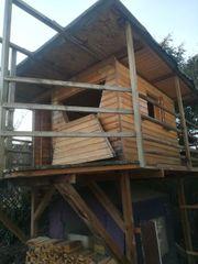 Großes Stelzenbaumhaus ohne Wellenrutsche