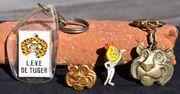 Aus ESSO Sammlung-2 Schlüsselanhänger-1Manschettenknopf-1PIN