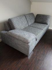 gut erhaltenes 2- Sitzersofa für