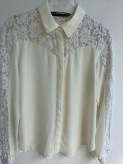 Bluse mit Spitzen von Zara