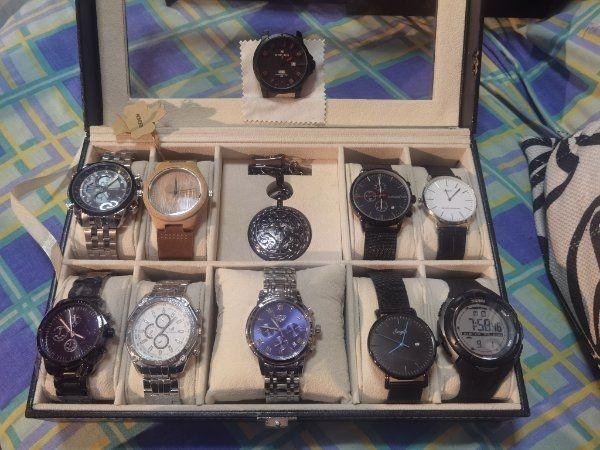 10 Uhren und eine Taschenuhr