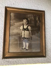 Antikes Jugendstil Kinderfoto Mädchen goldener
