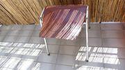 Stuhl in zwei Teilen