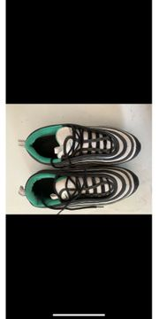 Schuhe für Männer und Frauen