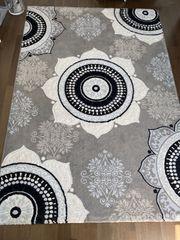 Teppich in schwarz weiß