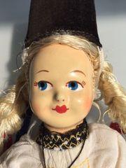 Trachtenpuppe hübsches handgemaltes Gesicht um