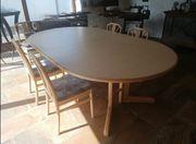 Tisch mit 14 stühlen