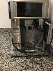 Kaffeevollautomat De Longhi ESAM 6700
