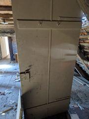 schöne alte Türen zum Selbstausbau