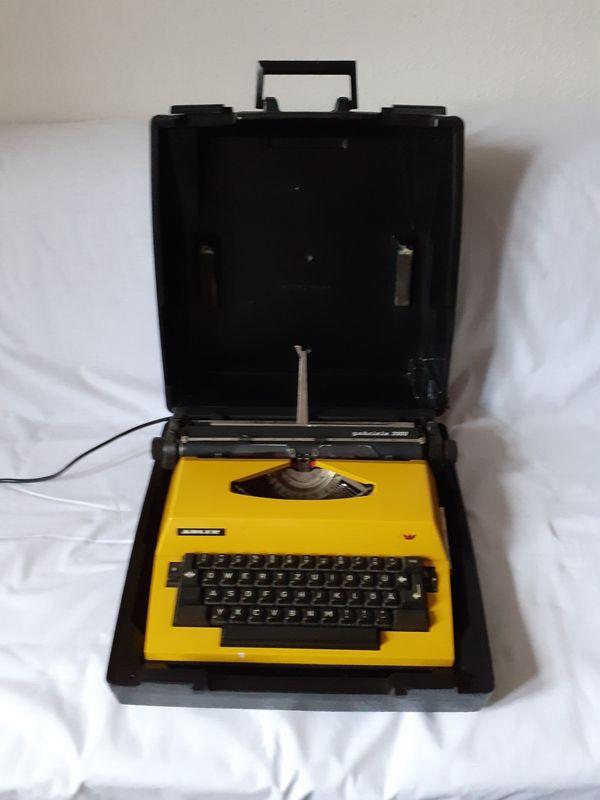 Elektrische Schreibmaschine Gabriele 2000