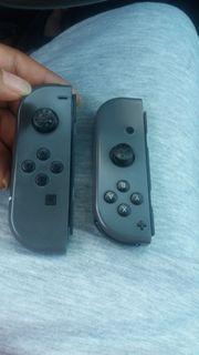 Biete 2 Joy Cons Nintendo