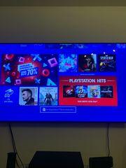 PS4 mit 2 Controllern und