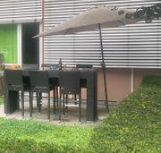Gartenmöbel - Hochtisch mit Glasplatte und