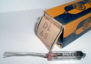 DL68 - Subminiaturröhre VALVO Tube Röhrenradio