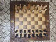 Altes Schachspiel Holz handgeschnitzt