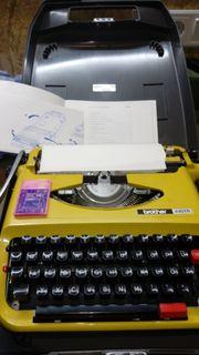 Schreibmaschine Brother 440 TR