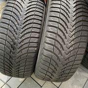 2 St Michelin 215-55-R16 Winterreifen