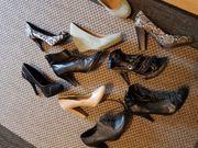 Ein riesen haufen Schuhe