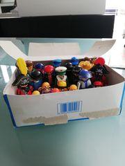 Playmobil Box mit verschiedenen Figuren
