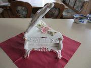 Klavier aus Keramik