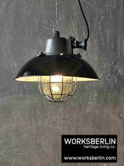 1 15 - Schwarze vintage Fabriklampen