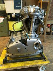 DUCATI 350 Desmo Rennmotor