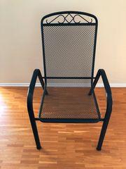 Gartenstühle aus wetterfestenm Stahlrohr und
