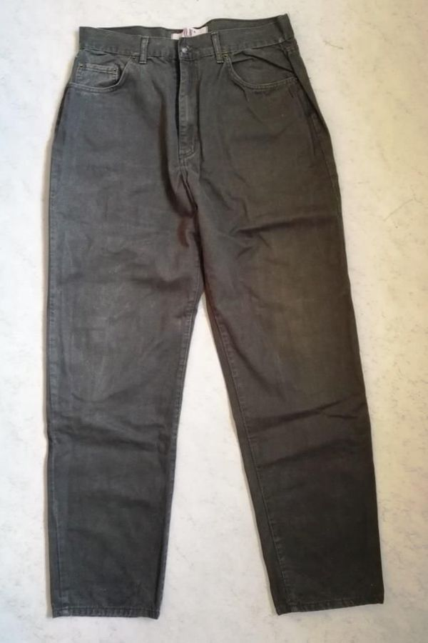 Olivgrüne O N Tantum Jeans -