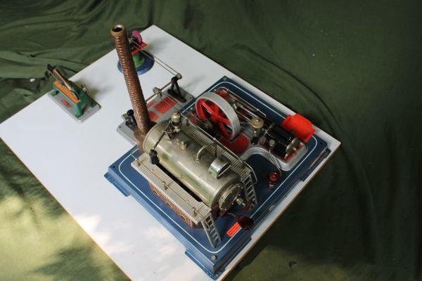 Wilesco grosse Dampfmaschine mit Turbine