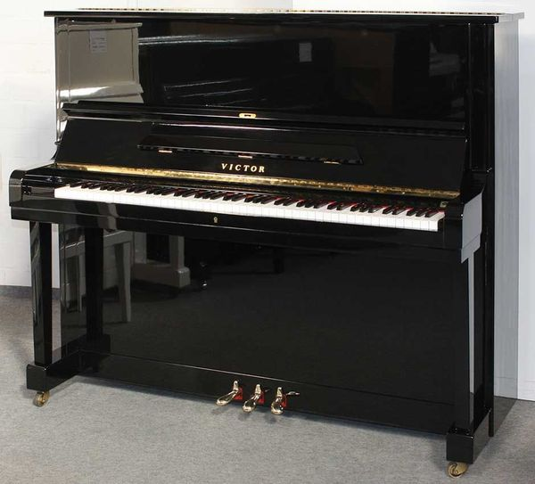 Klavier Victor V7 132 cm