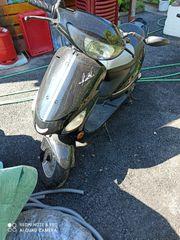 Motorroller zu verkaufen