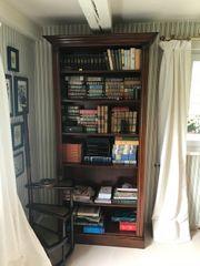 Hochwertiges Bücherregal