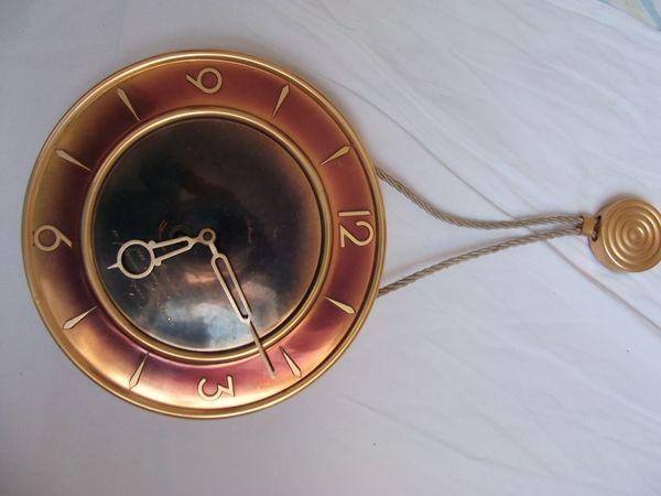 kupferfarbene mechanische Wanduhr 25 cm