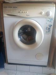 funktionierende Waschmaschine und Trockner zu