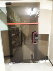 Türen Glastür Bürotür Türbeschläge Bodenschließer