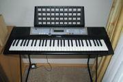 Yamaha Keyboard E203
