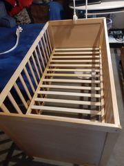 Babybett mit Matratze kompl Bettzeug