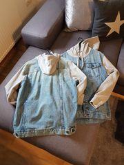 Jeansjacken mit Kapuze