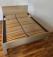 Bettrahmen Ikea 140 x 200
