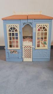 Schönes gut erhaltenes Barbie Haus